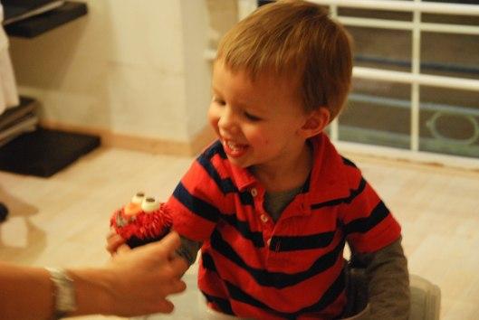 2013 07 26 Elmo Cupcakes-2
