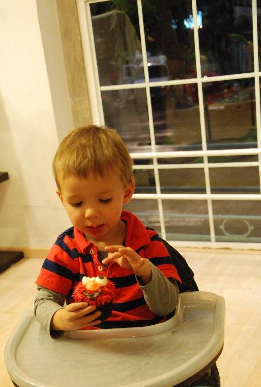 2013 07 26 Elmo Cupcakes-3