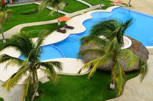 2013 08 01 Puerto Escondido- The Pool-1