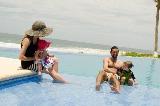 2013 08 01 Puerto Escondido- The Pool-10