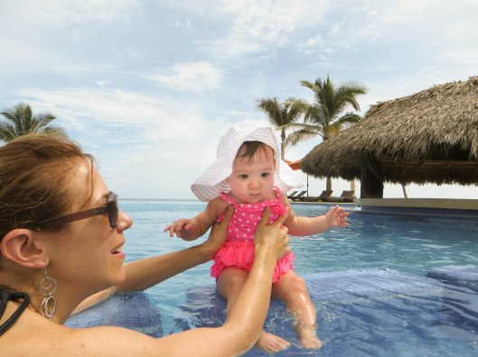 2013 08 01 Puerto Escondido- The Pool-2