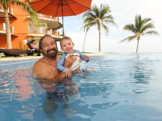 2013 08 01 Puerto Escondido- The Pool-5