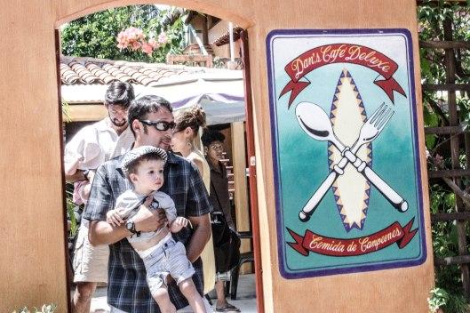 2013 08 04 Puerto Escondido The Town-9